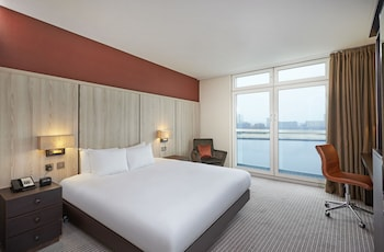 Deluxe Room, 1 King Bed (Water View)