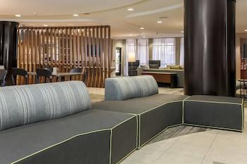 Lobby at Courtyard by Marriott Las Vegas South in Las Vegas