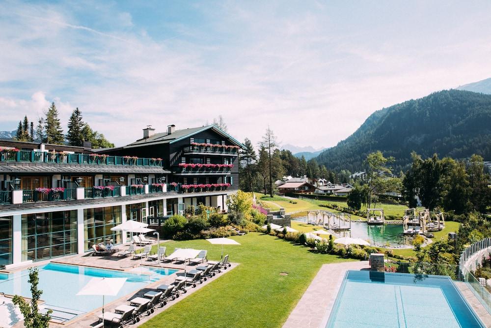 Astoria Resort - Superior