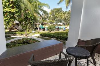 Deluxe Convenient Central Garden Access