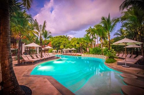 . Mahekal Beach Front Resort & Spa