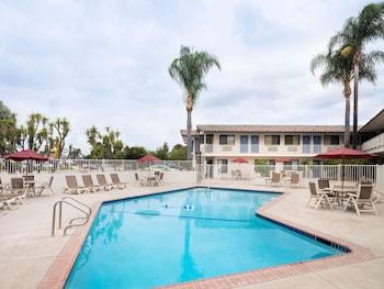 加利福尼亞卡馬里奧 6 號汽車旅館 Motel 6 Camarillo, CA