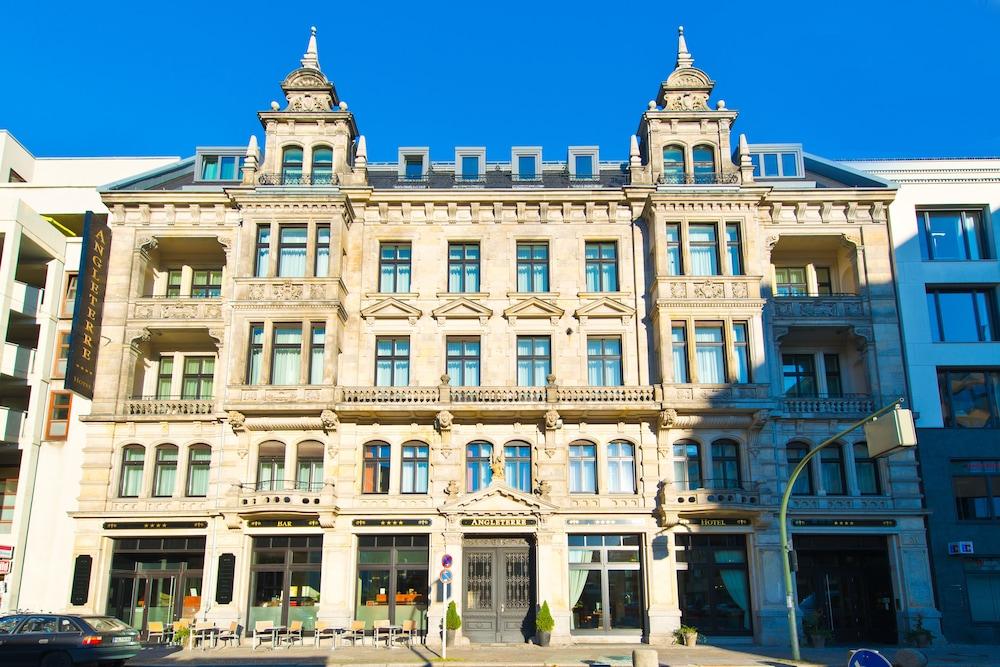 アングレテーレ ホテル