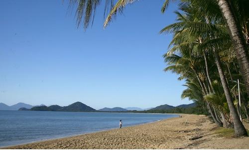 BeachView Apartments at Villa Paradiso, Cairns - Northern Suburbs