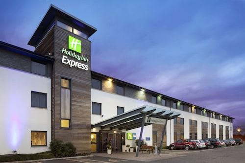 . Holiday Inn Express Cambridge