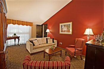 Luxury Suite, 1 King Bed with Sofa bed, Jetted Tub