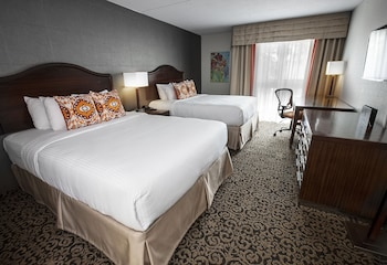 Superior Room, 2 Queen Beds - Courtyard Interior