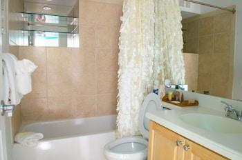 Mariner's Club Key Largo by KeysCaribbean - Bathroom  - #0