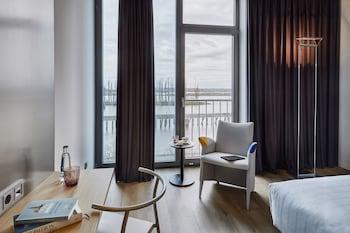 The Innside Room - River View