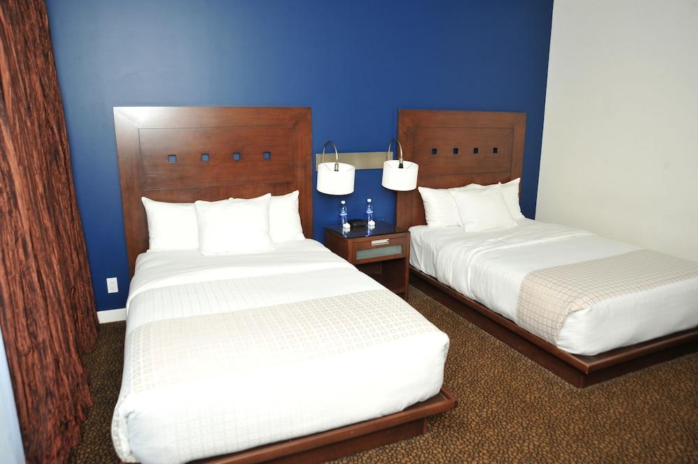 Room, 1 King Bed (Spa Bathroom)