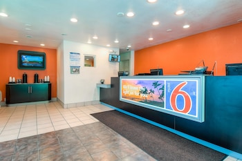 Lobby at Motel 6 San Diego - Hotel Circle - Mission Valley in San Diego