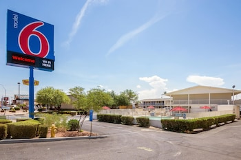 Hotel - Motel 6 Phoenix Sun City - Youngtown