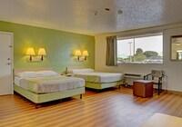 Standard Room, 2 Queen Beds, Kitchen