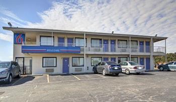 Hotel - Motel 6 Denton, TX - UNT
