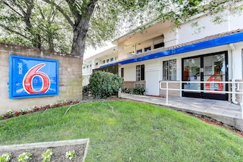 Motel 6 Pinole - Featured Image  - #0