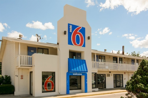 . Motel 6 Leominster, MA