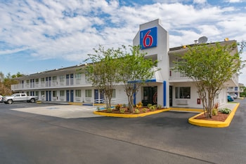 6 號汽車旅館佛羅里達匹爾斯堡 Motel 6 Ft. Pierce, FL
