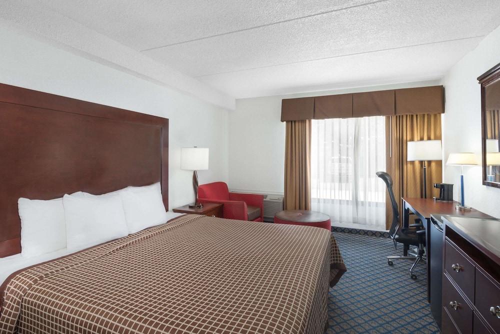 데이즈 인 바이 윈덤 제네바/핑거 레이크스(Days Inn by Wyndham Geneva/Finger Lakes) Hotel Image 3 - Guestroom