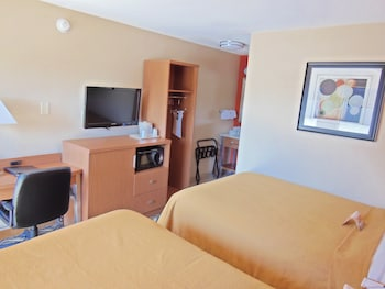 Double Room with 2 Double Beds, Smoking