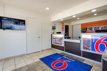 Lobby at Motel 6 Scottsdale South in Tempe