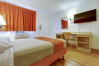 Guestroom at Motel 6 Scottsdale South in Tempe
