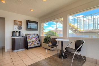 Lobby at Motel 6 Las Vegas - Boulder Highway in Las Vegas