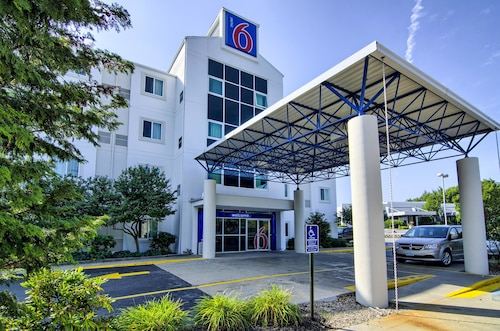 . Motel 6 Portsmouth, NH