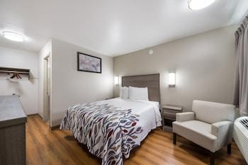Deluxe Room, 1 Queen Bed, Smoking