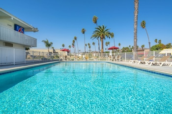 加利福尼亞范朵拉 - 海灘 6 號汽車旅館 Motel 6 Ventura, CA - Beach