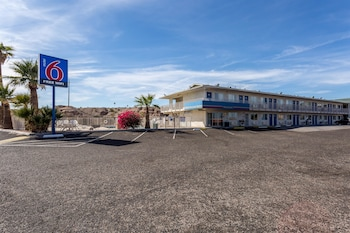 Hotel - Motel 6 Needles, CA