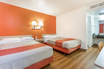 Guestroom at Motel 6 Phoenix North - Bell Road in Phoenix
