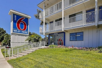 Hotel - Motel 6 Santa Barbara - Carpinteria North
