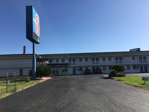 . Motel 6 Tucumcari, NM