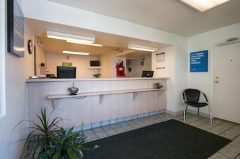 Lobby at Rodeway Inn Kissimmee Maingate West in Kissimmee