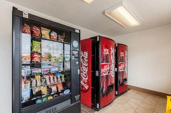 Motel 6 Houston - NASA - Vending Machine  - #0