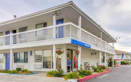 __{offers.Best_flights}__ Motel 6 Medford, OR - North
