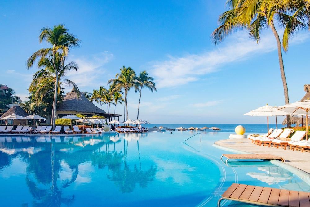 https://i.travelapi.com/hotels/1000000/1000000/996800/996714/14b2e4ab_z.jpg
