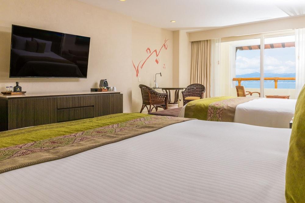 https://i.travelapi.com/hotels/1000000/1000000/996800/996714/46daf873_z.jpg