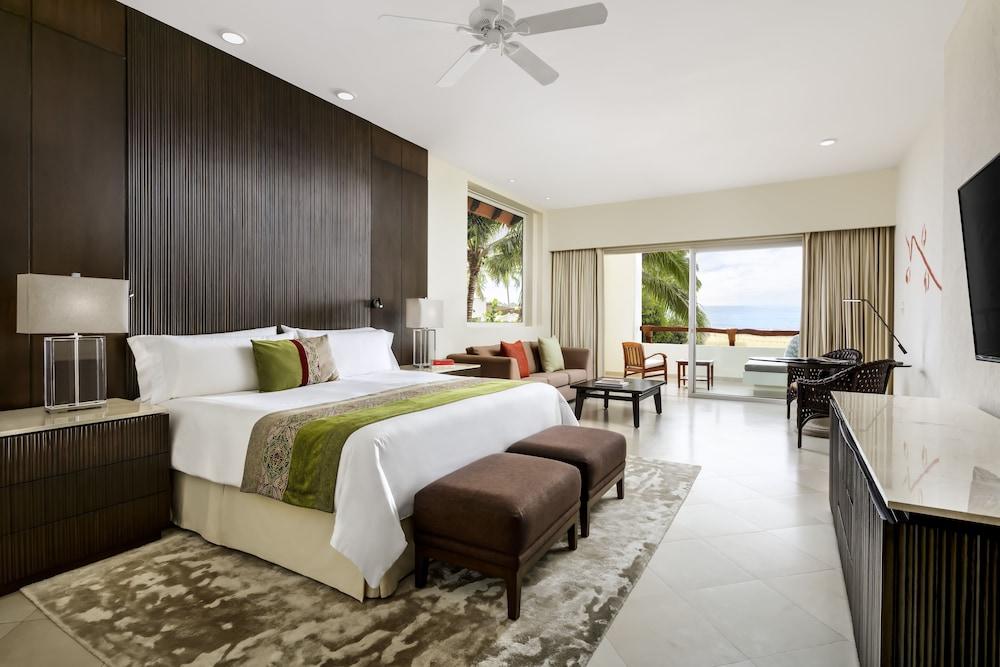 https://i.travelapi.com/hotels/1000000/1000000/996800/996714/4a864ae2_z.jpg