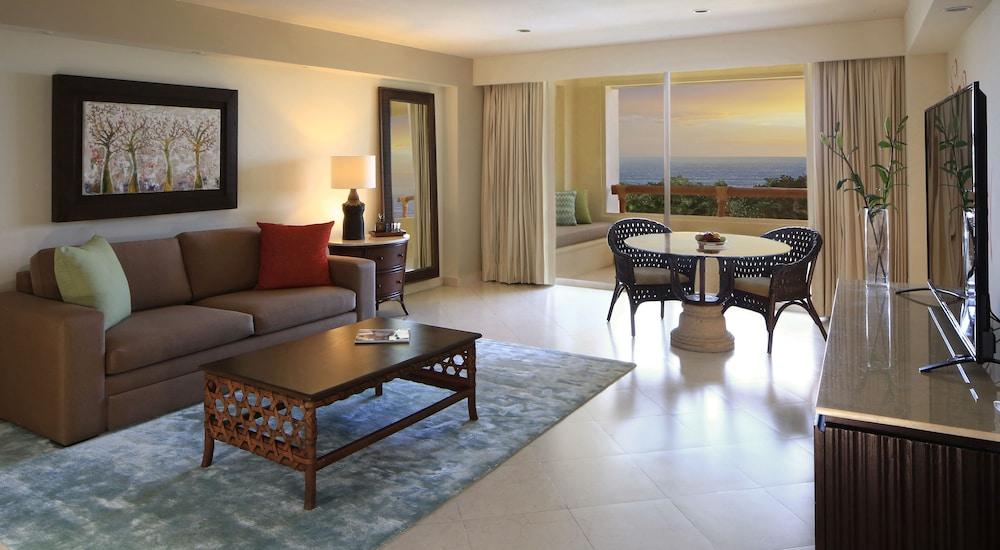 https://i.travelapi.com/hotels/1000000/1000000/996800/996714/852b8c13_z.jpg