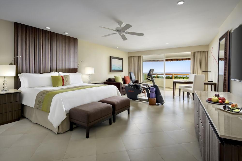 https://i.travelapi.com/hotels/1000000/1000000/996800/996714/bd7db464_z.jpg