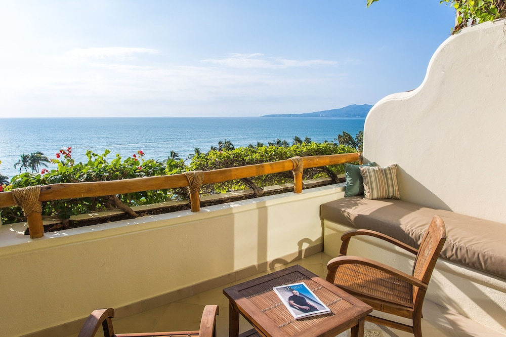 https://i.travelapi.com/hotels/1000000/1000000/996800/996714/cc46f2db_z.jpg