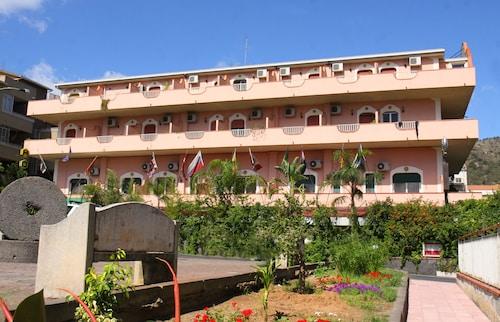 . Hotel D'Orange D'Alcantara