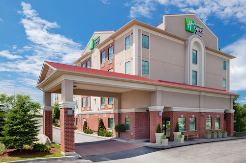 . Holiday Inn Express Hotel & Suites Barrie, an IHG Hotel
