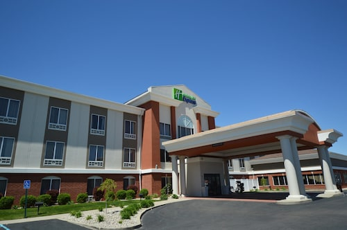 . Holiday Inn Express Toledo-Oregon