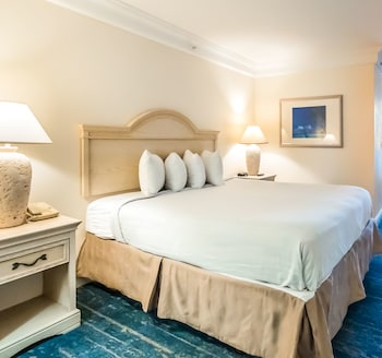 Standard Room, 1 King Bed (Sunset View)