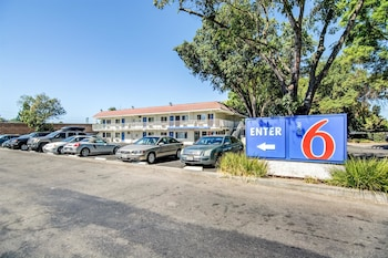 Hotel - Motel 6 Stockton North