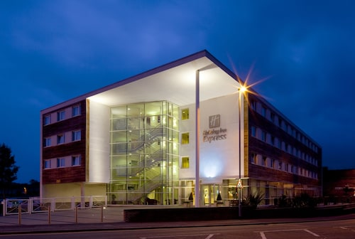 . Holiday Inn Express Chester - Racecourse