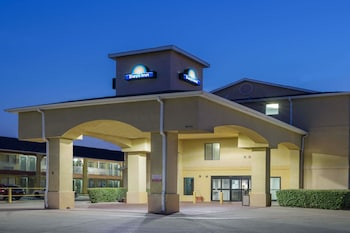 Hotel - Days Inn by Wyndham Dallas Garland West