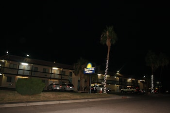 Hotel - Days Inn & Suites by Wyndham Needles